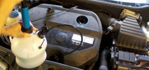 Hyundai-Accent-RB-cambio-aceite-4-300x142